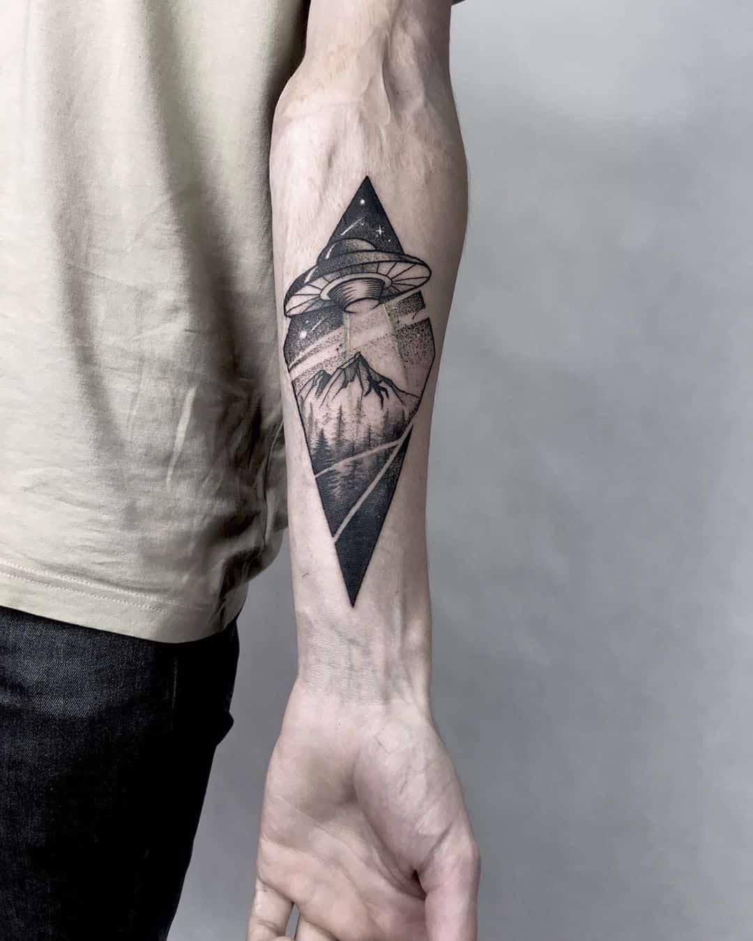 Alien Tattoo 39