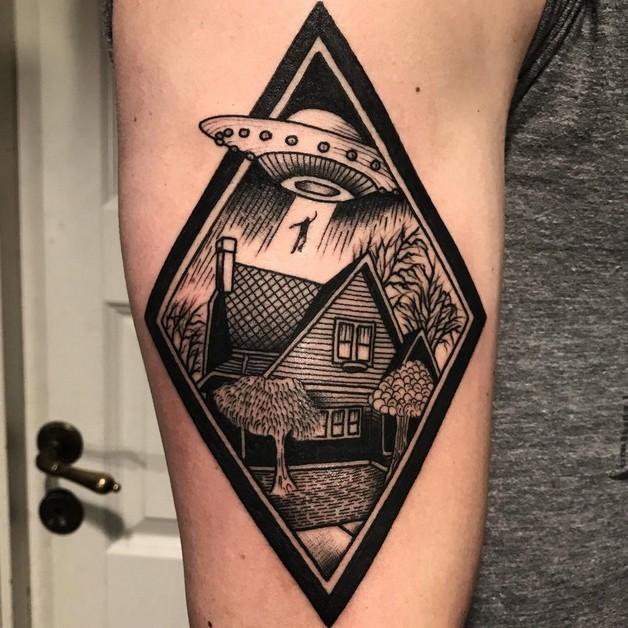 Alien Tattoo 48